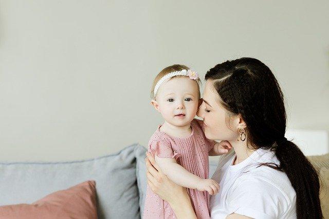 Wie oft werden Sie Ihr neugeborenes Baby füttern?